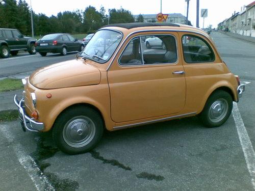 Small_orange_car